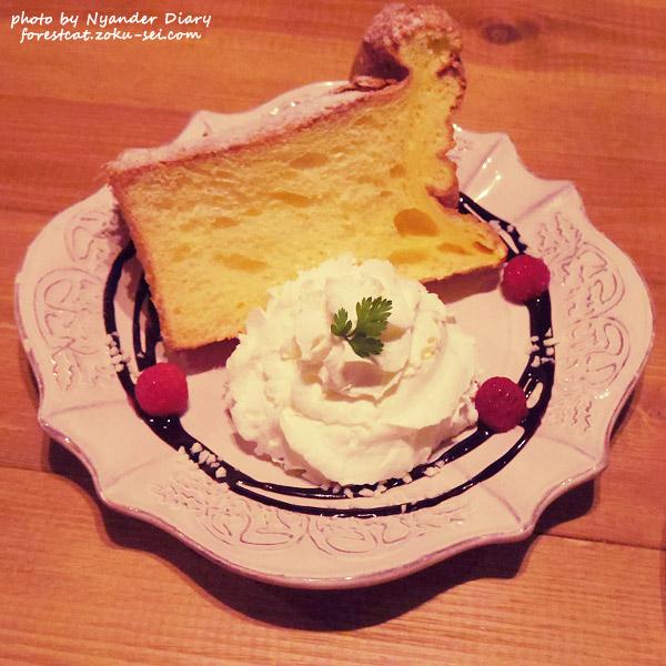 ふわふわシフォンケーキ 猫カフェ スイーツ